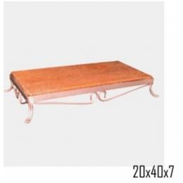 Bandeja Retang. Ferro Rosê Gold C/ Madeira 20x40cm H:7cm